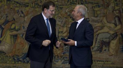 Alberto Palatchi, PRONOVIAS Prezidentui, buvo įteiktas aukso medalis už nuopelnus darbe