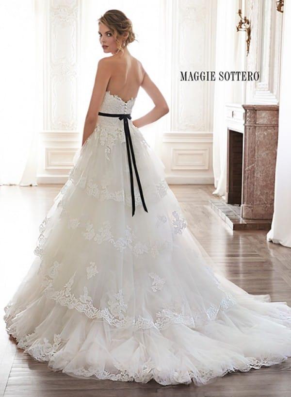 bettina vestuvine suknele 2