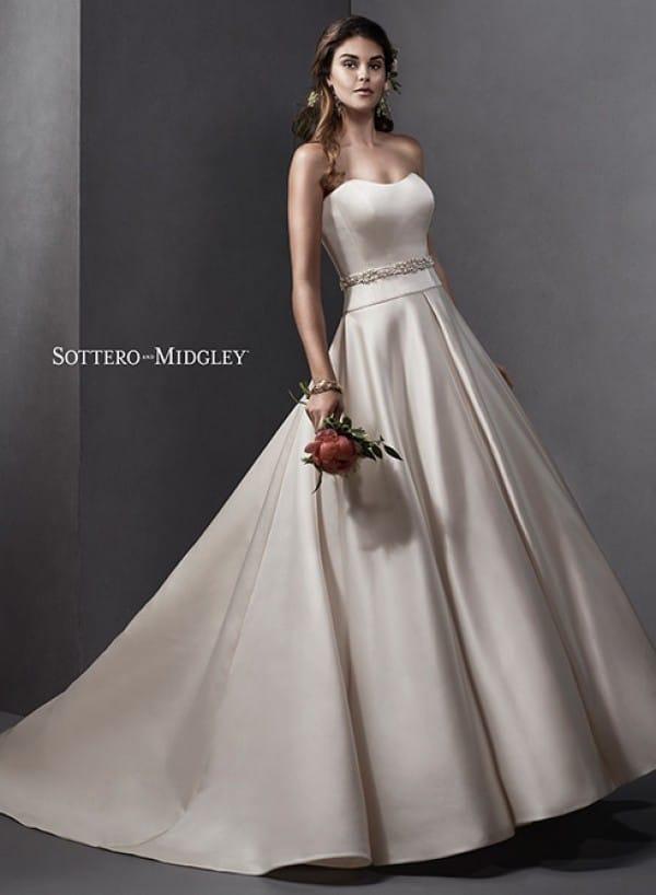 Taiya vestuvinė suknelė