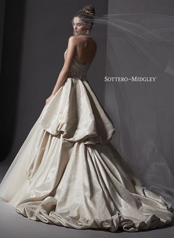 ivana vestuvine suknele4