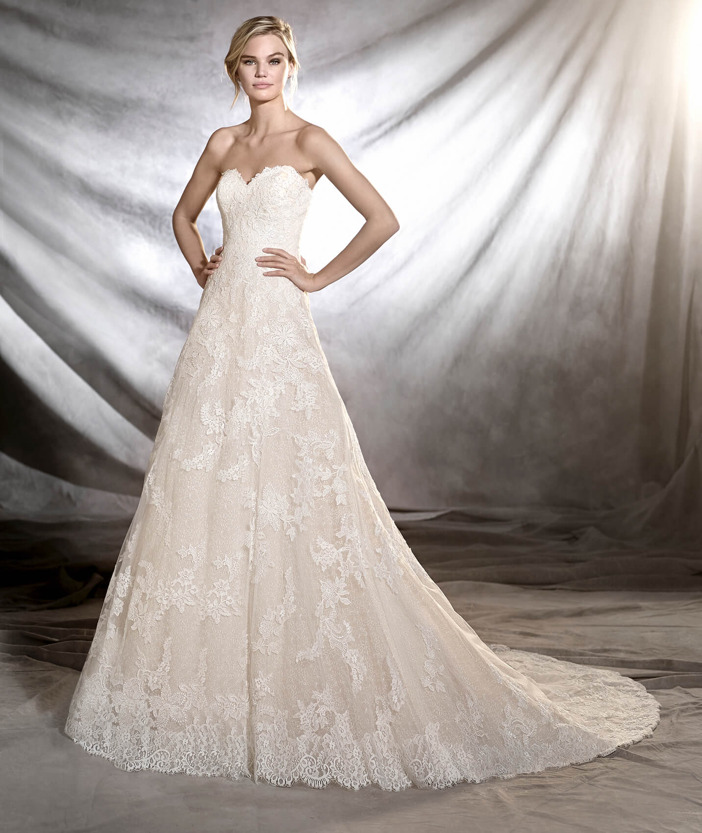 Onia wedding dress