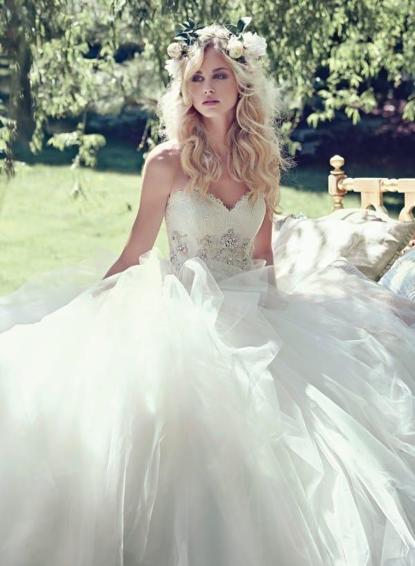 aracella vestuvine suknele 3