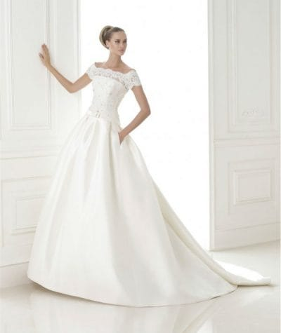 Bandera wedding dress