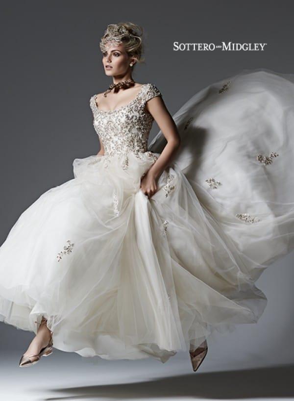 evelyn vestuvine suknele4