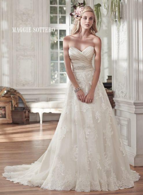 Kamiya vestuvinė suknelė