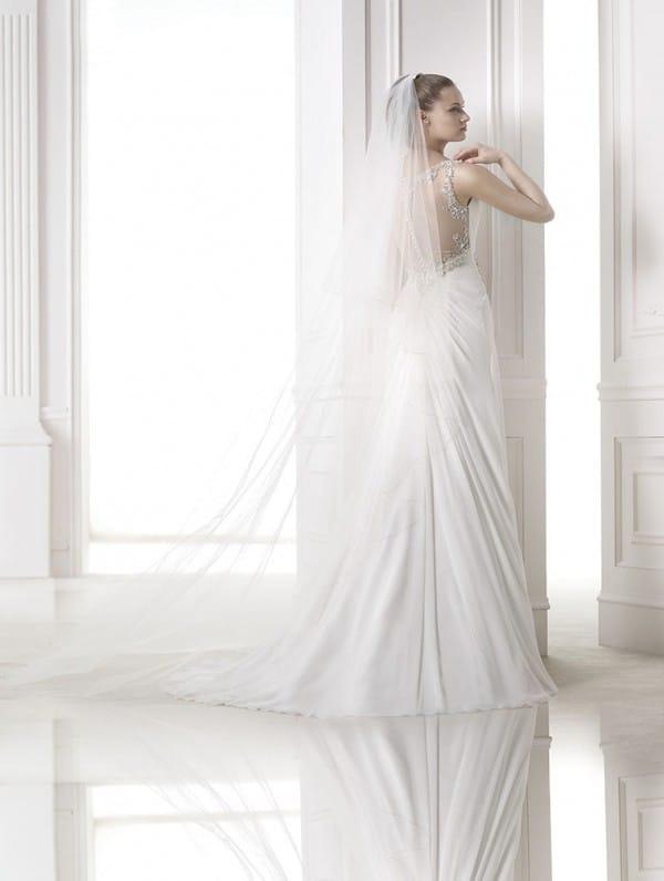 maranta vestuvine suknele 2