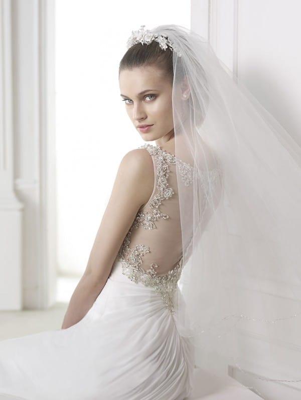 maranta vestuvine suknele 3