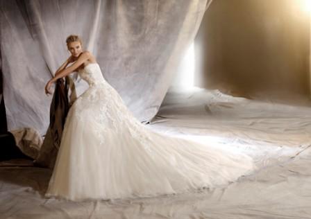Nauja 2016 metų PRONOVIAS vestuvinių suknelių kolekcija!