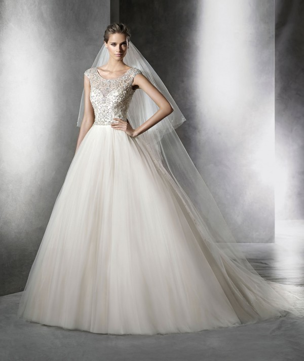 Prismal wedding dress