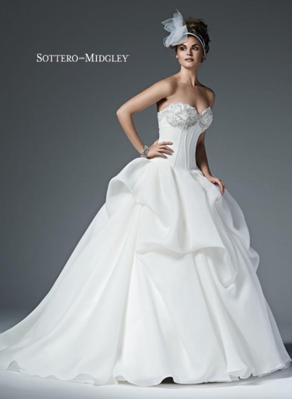 Renita vestuvinė suknelė