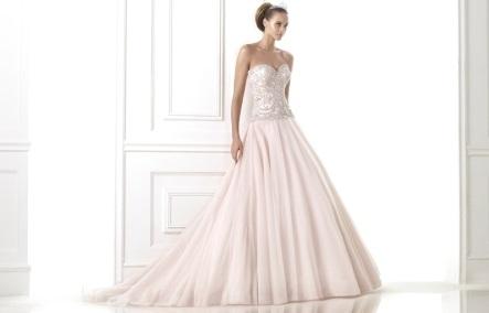 Vestuvinių suknelių tendencijos 2015