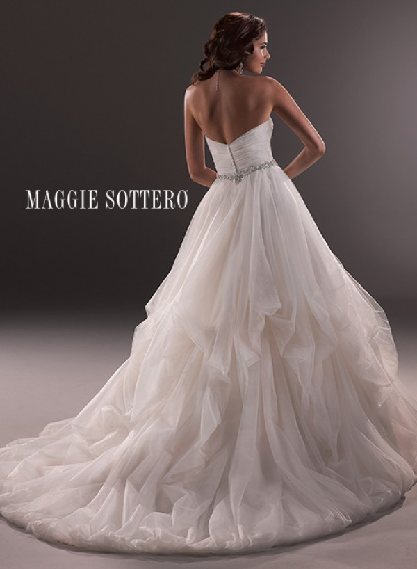 vestuvines-sukneles-chimere-2