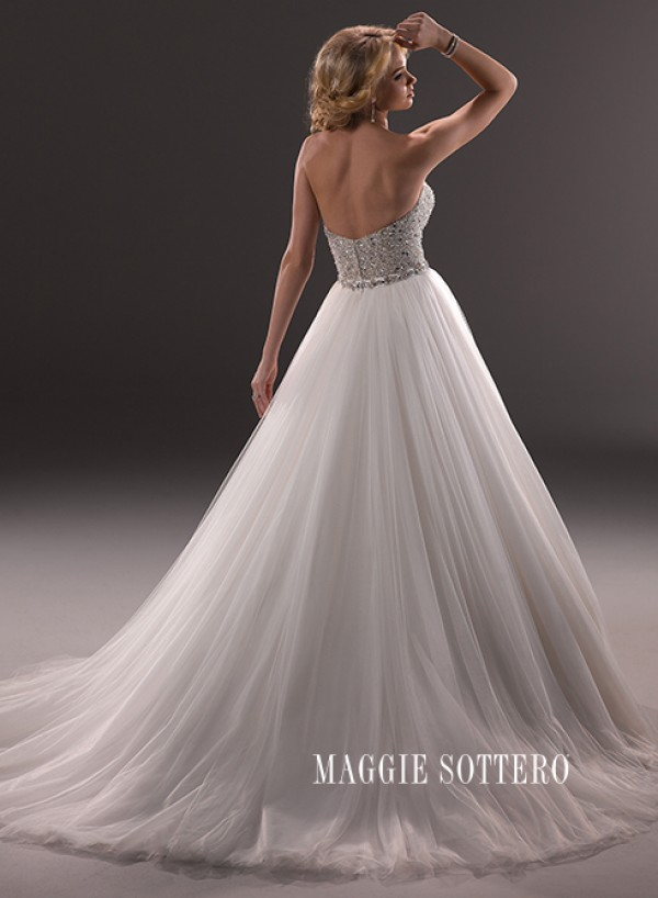 vestuvines-sukneles-esme-2