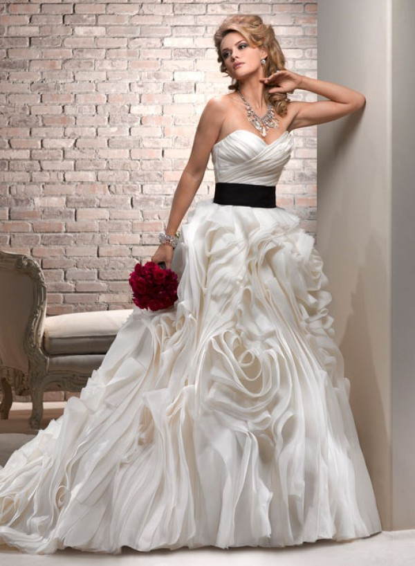 vestuvines sukneles juliette 3