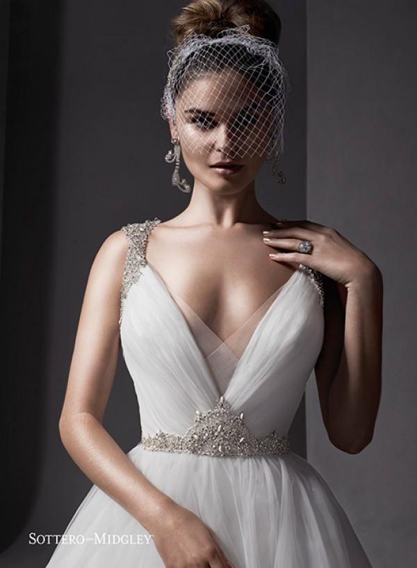 vestuvines-sukneles-mariam-2