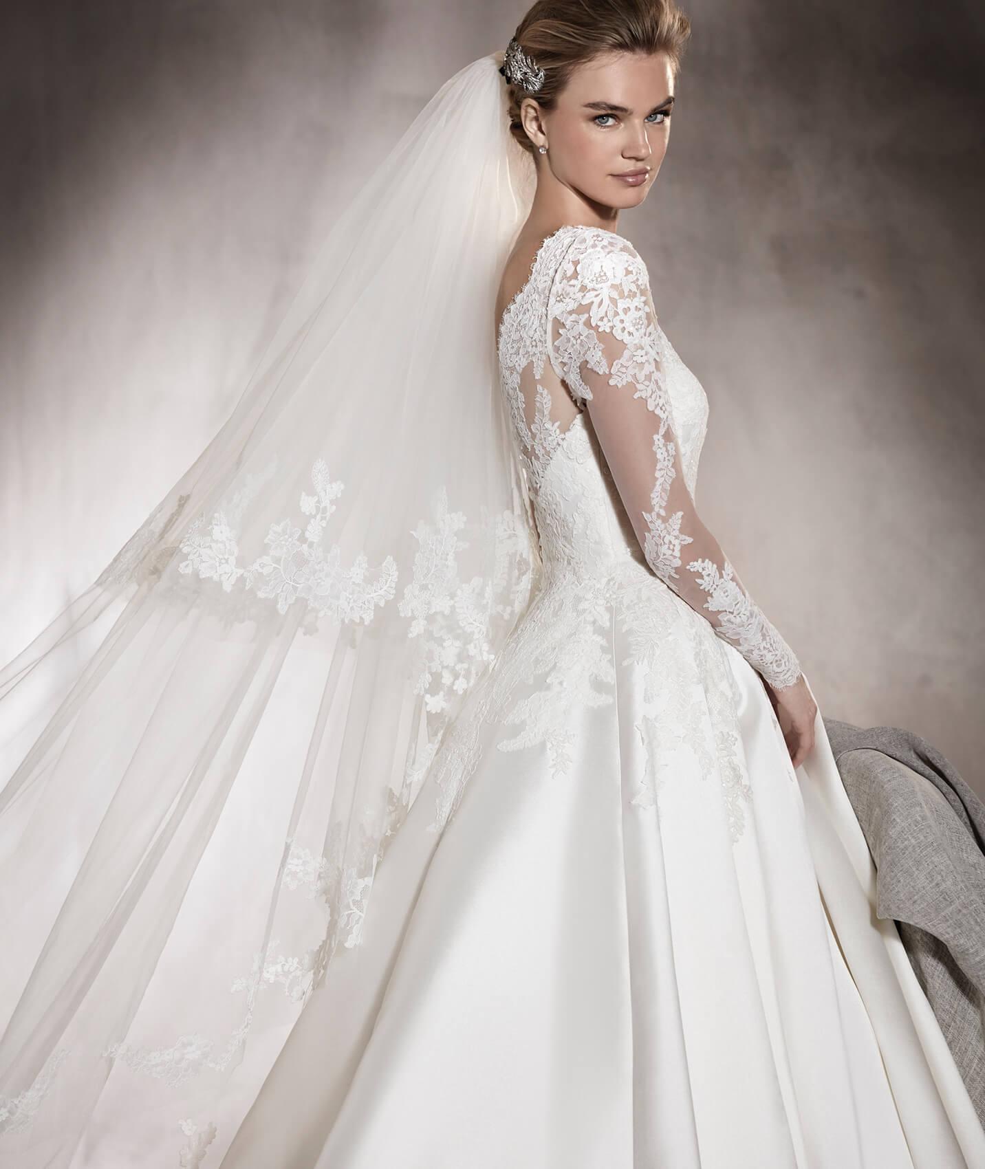 vestuvines-sukneles-pronovias-alhambra-2
