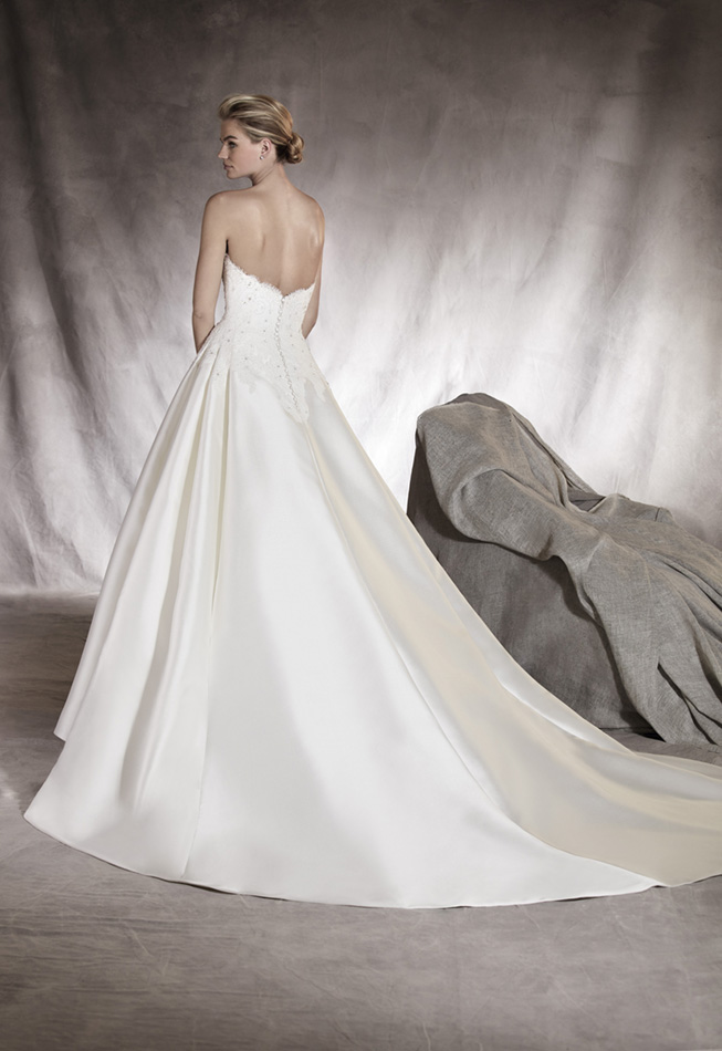 vestuvines-sukneles-pronovias-altamira-2