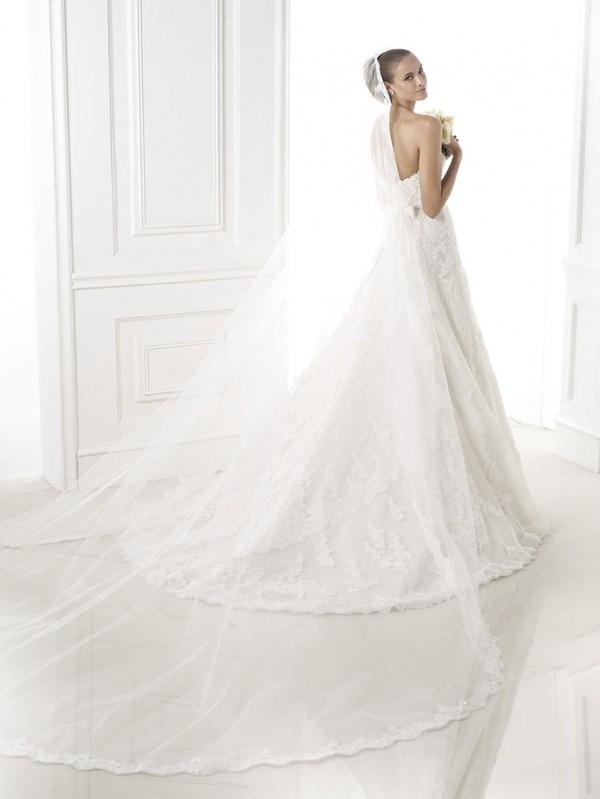 vestuvines-sukneles-pronovias-basma-2
