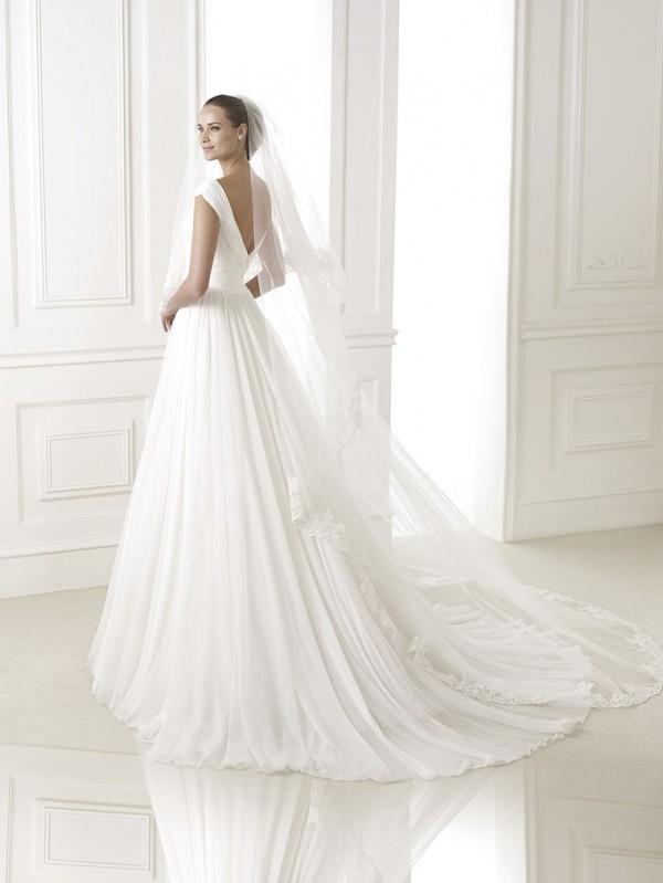 vestuvines-sukneles-pronovias-beluga-3