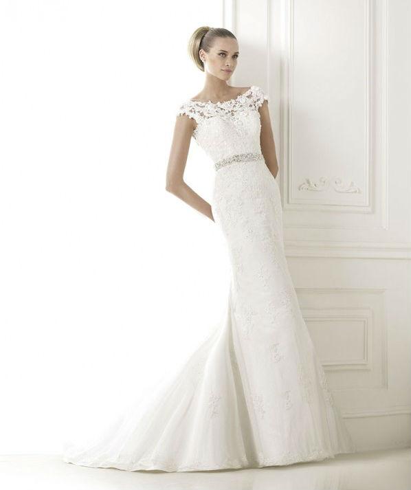 vestuvines-sukneles-pronovias-botis
