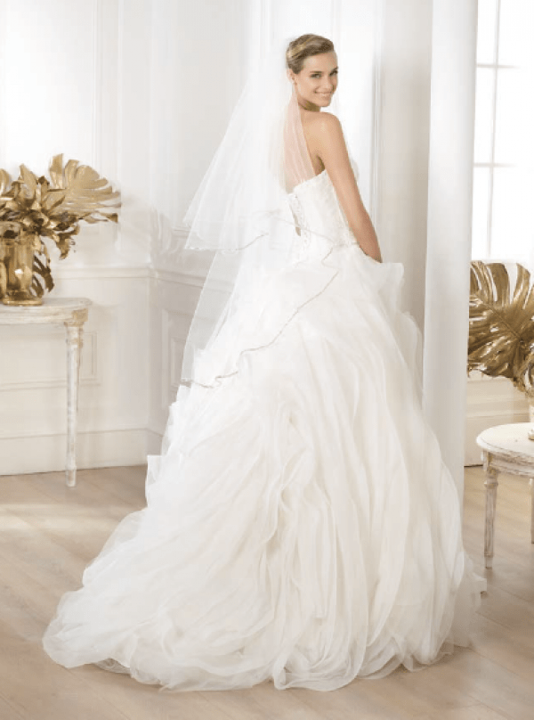 vestuvines-sukneles-pronovias-lexas-2