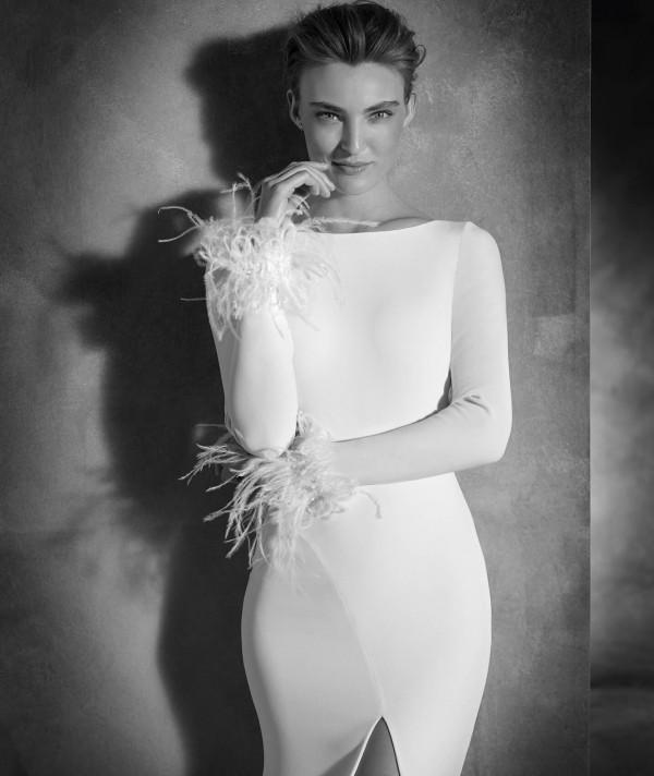 vestuvines sukneles pronovias nuria 2