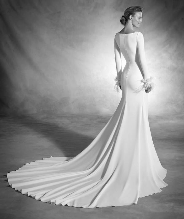 vestuvines sukneles pronovias nuria 3
