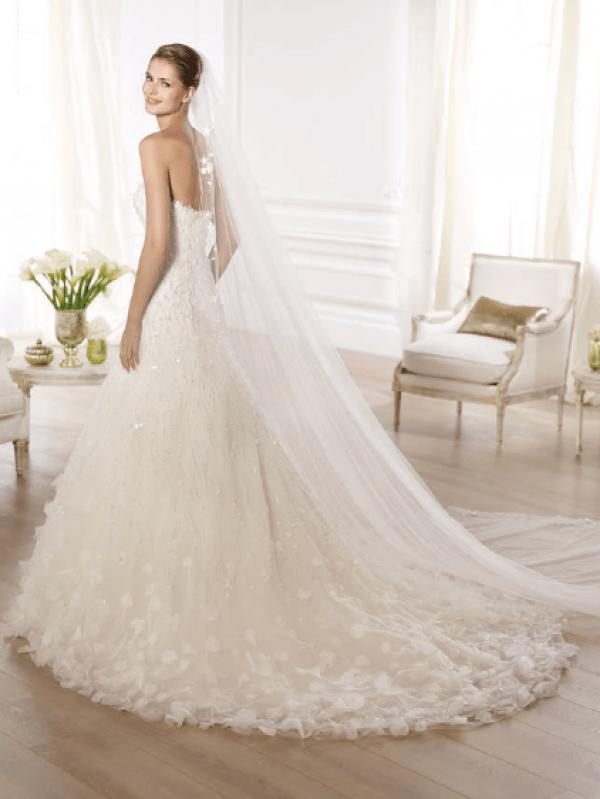 vestuvines-sukneles-pronovias-orber-3