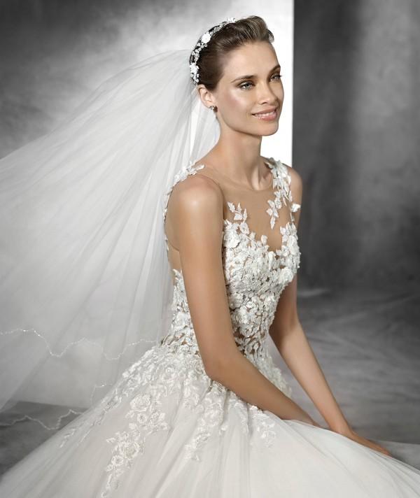 vestuvines-sukneles-pronovias-taciana-2
