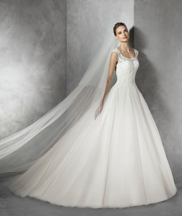vestuvines-sukneles-pronovias-torla