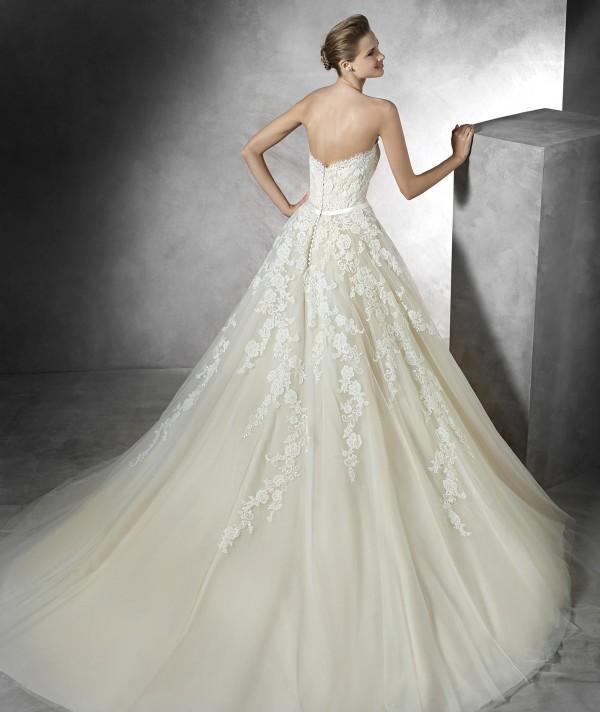 vestuvines-sukneles-pronovias-trey-2