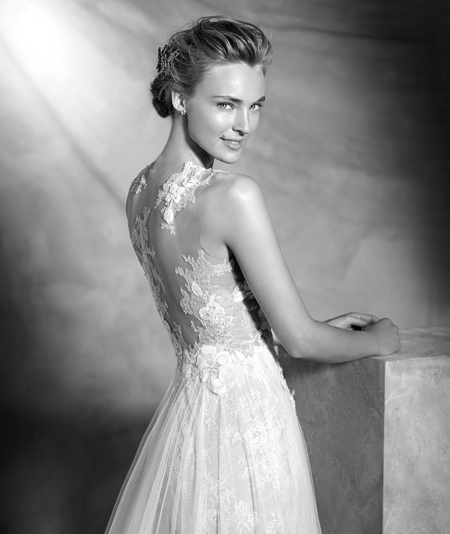 vestuvines sukneles pronovias vintage 3