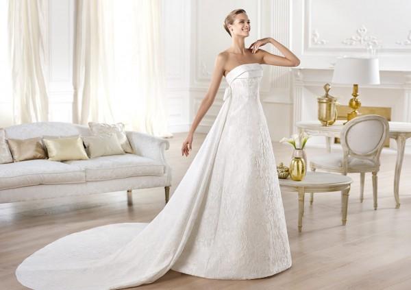 vestuvines-sukneles-pronovias-yeray-2