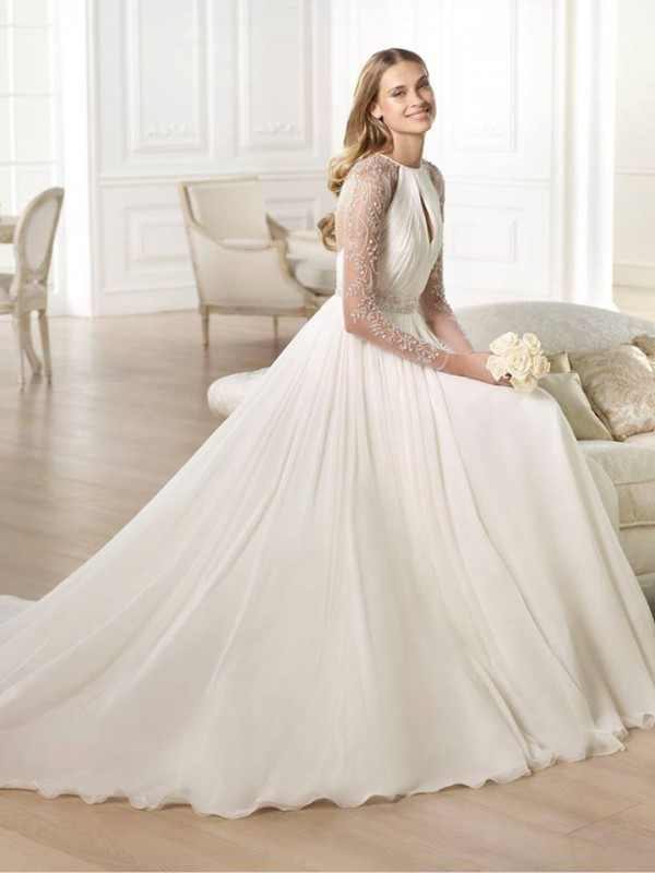 vestuvines-sukneles-pronovias-yojeida-2