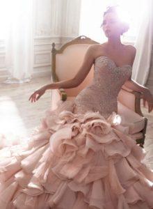 vestuvines sukneles spalva ir audinys kaip issirinkti 2