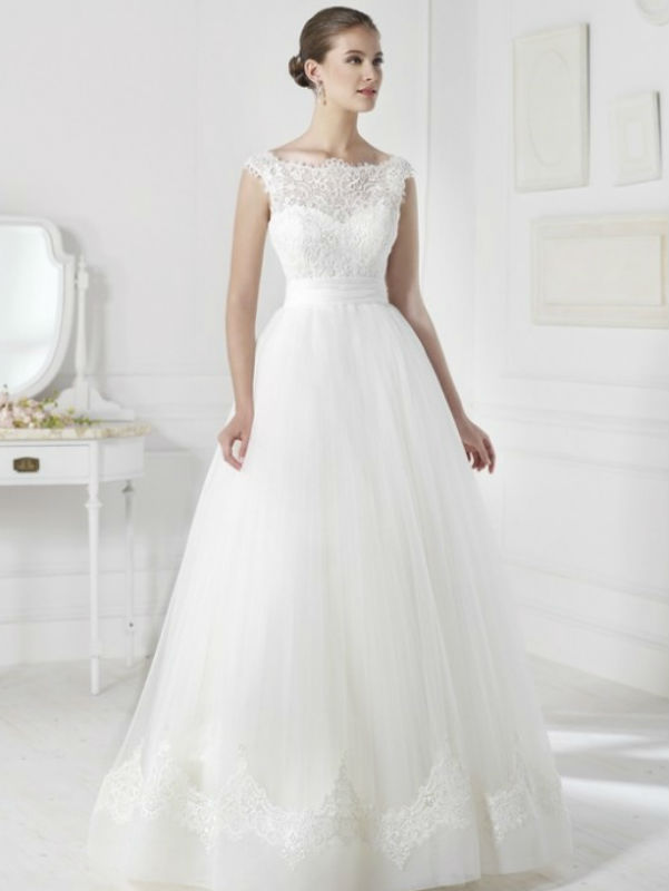 Viena wedding dress
