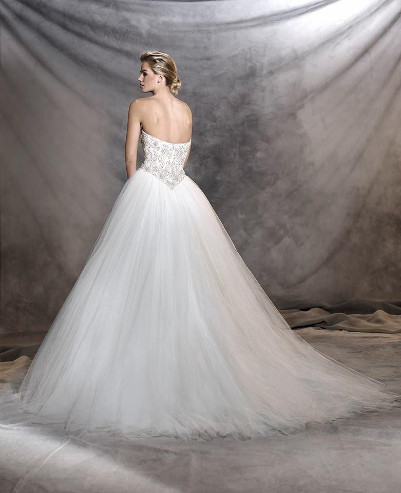 vestuvines sukneles pronovias odelia b