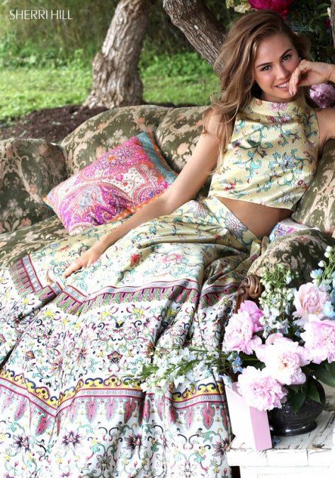 Po dvejus metus trukusių derybų Amerikiečių dizainerės SHERRI HILL proginės suknelės jau ir salone SANTA!