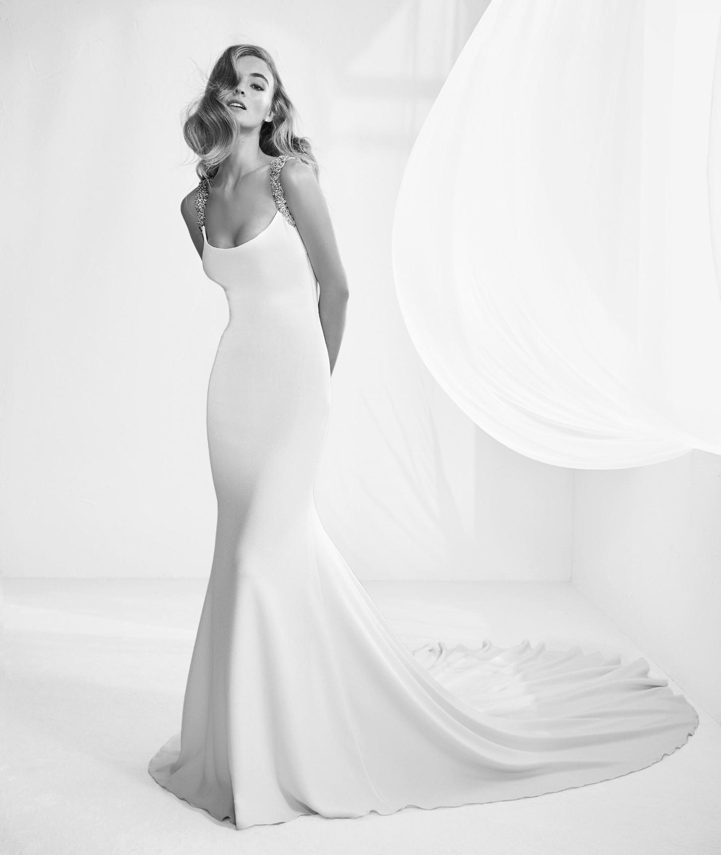 vestuvines sukneles atelier pronovias rafia