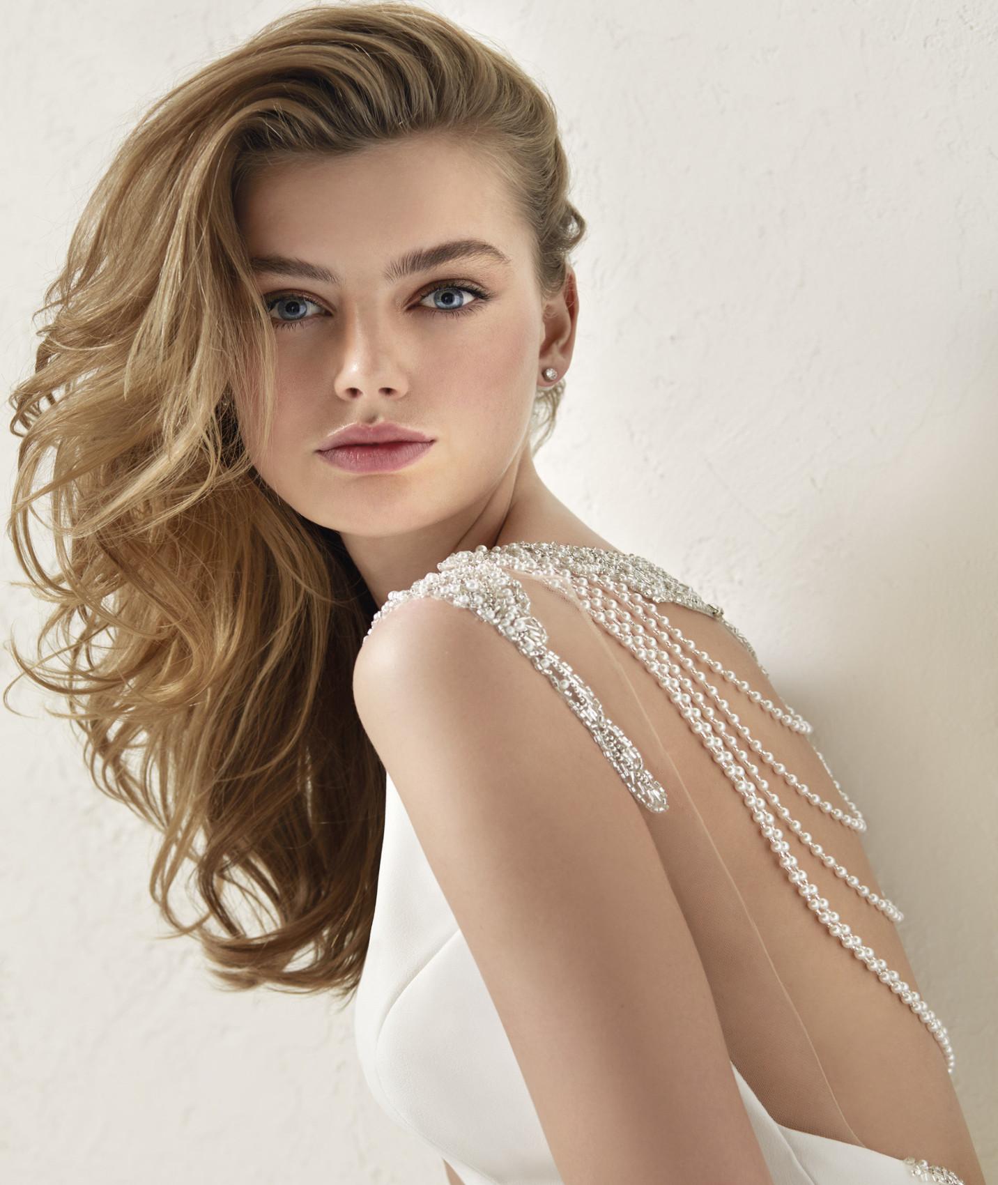 vestuvines sukneles pronovias dravidia c