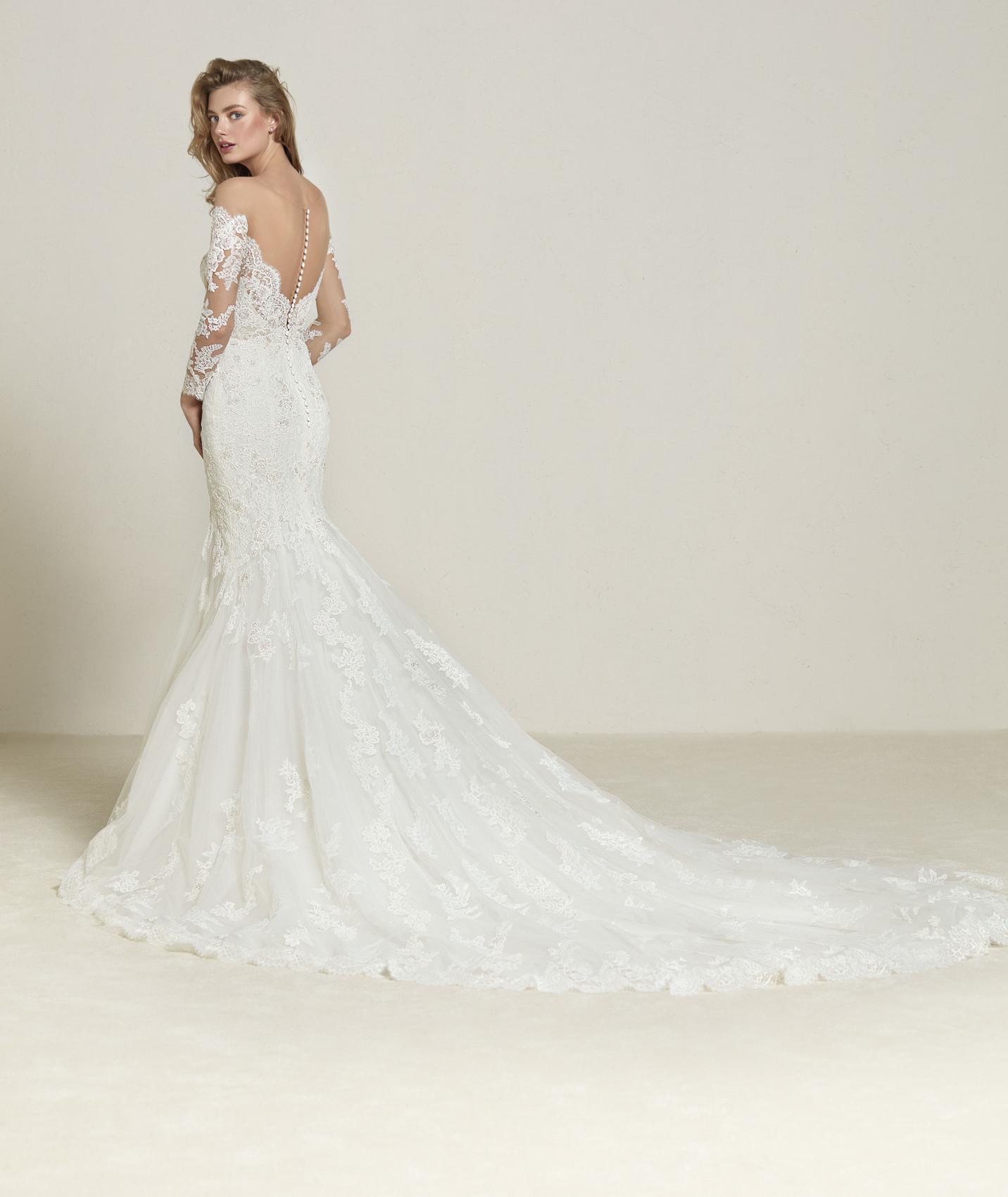 vestuvines-sukneles-pronovias-drilia-b