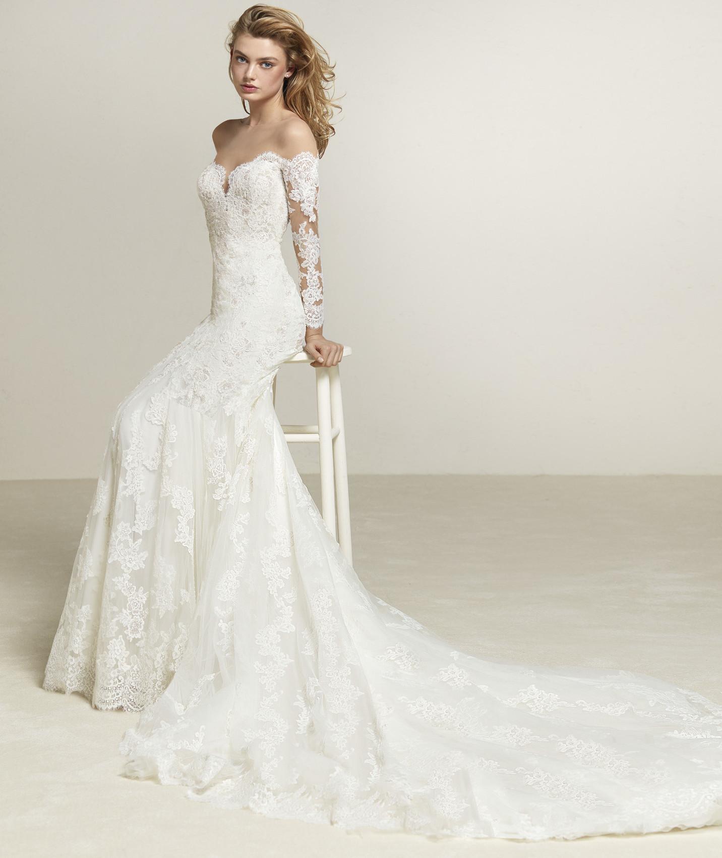 vestuvines-sukneles-pronovias-drilia-c