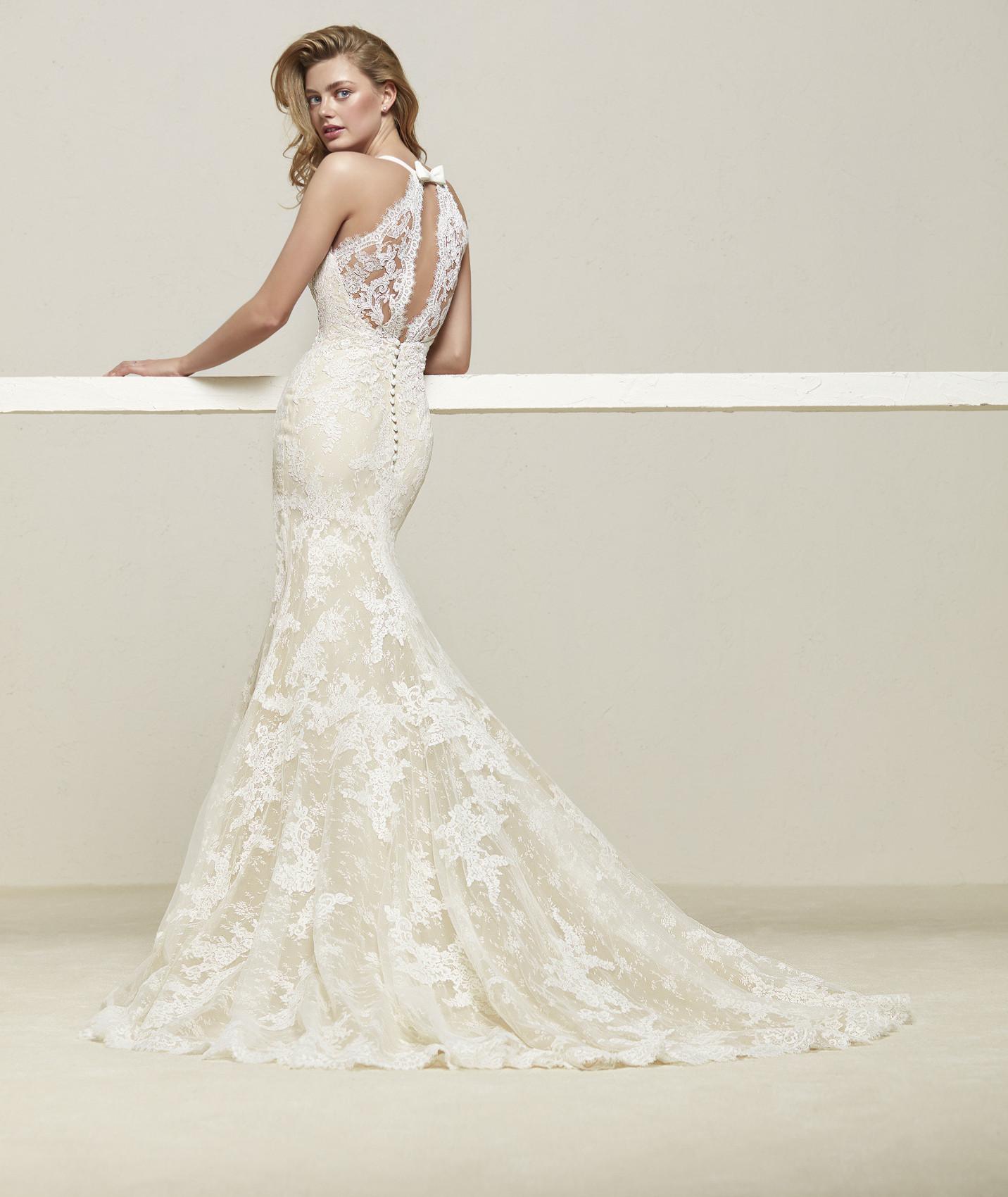 vestuvines-sukneles-pronovias-drilos-b