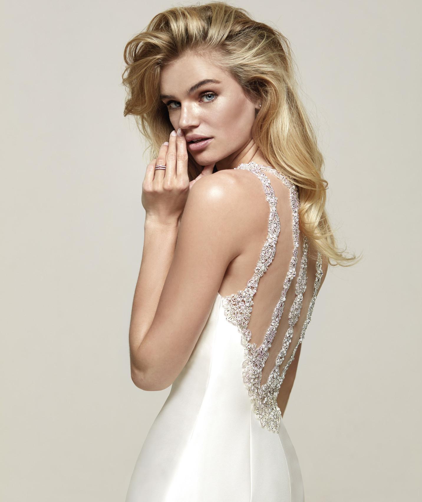 vestuvines sukneles pronovias drupa c