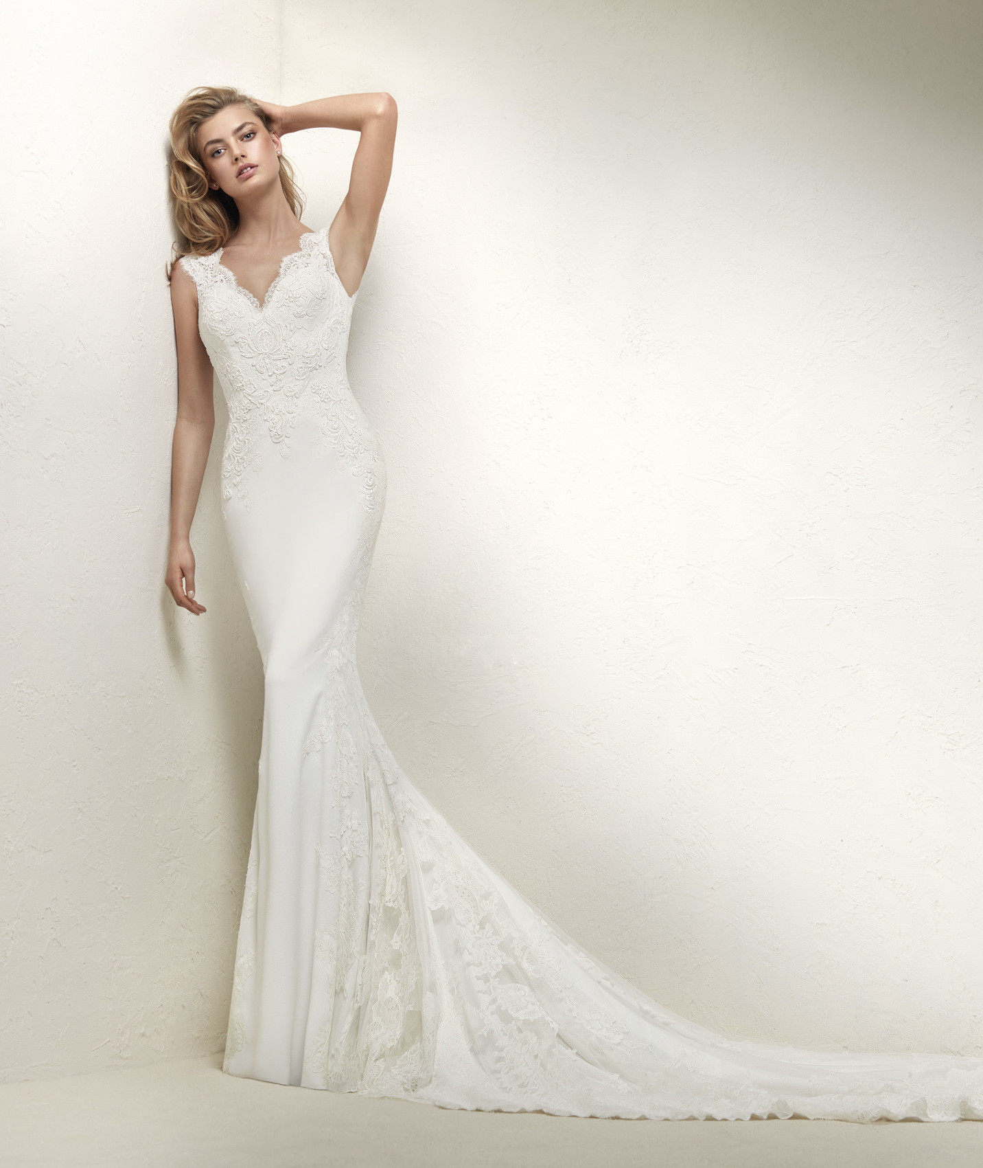 Drusila wedding dress