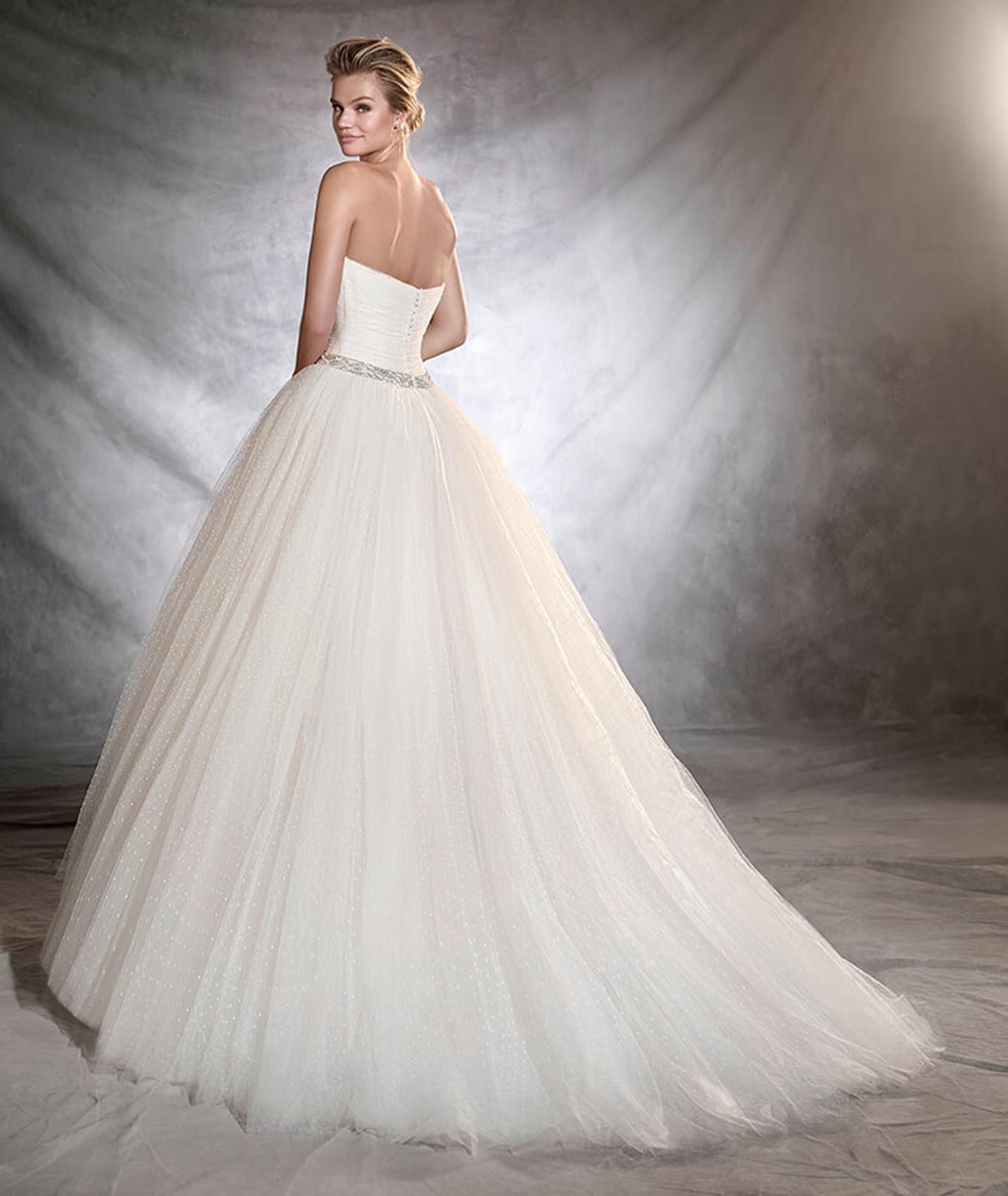 vestuvines-sukneles-pronovias-ovalia-b