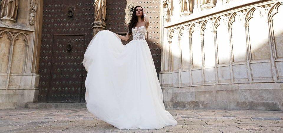 Stulbinančios naujienos iš Ispanijos – Tina Valerdi vestuvinės suknelės jau netrukus salone SANTA!