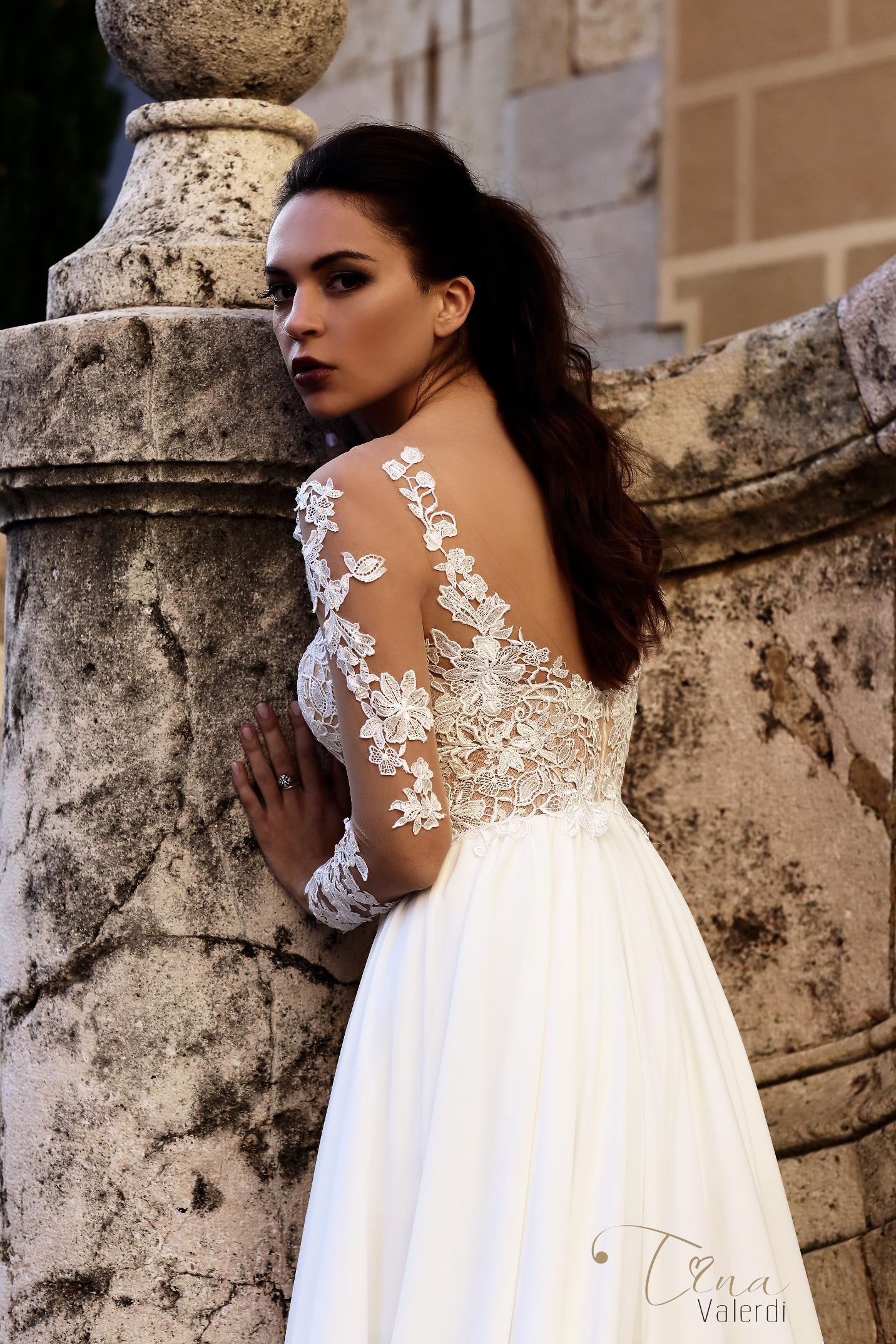 vestuvines-sukneles-tina-valerdi-Annette3