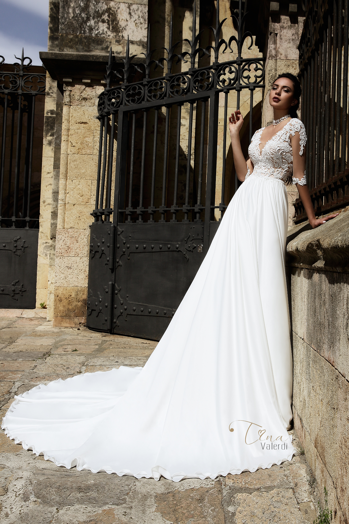vestuvines-sukneles-tina-valerdi-Carina1