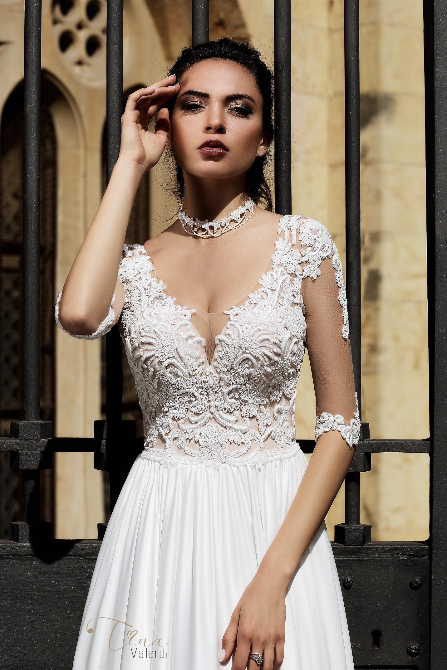 vestuvines-sukneles-tina-valerdi-Carina3